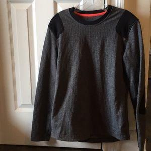 Lululemon Men's gray & black l/s top sz med 57012